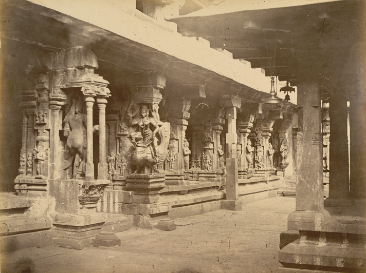 Tiruvattur Temple interior